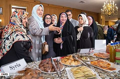 السوق الخيرية لاتحاد السيدات الدبلوماسيات بالخارجية الايرانية