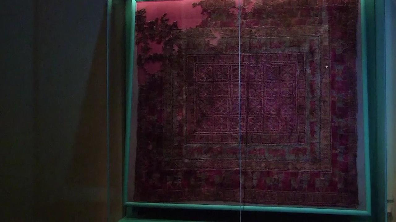 كشف أسرار سجادة يعود تاريخها إلى ما قبل 2500 عام