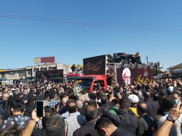 تشييع جثمان العلامة حسن زادة آملي في مدينة آمل شمال البلاد
