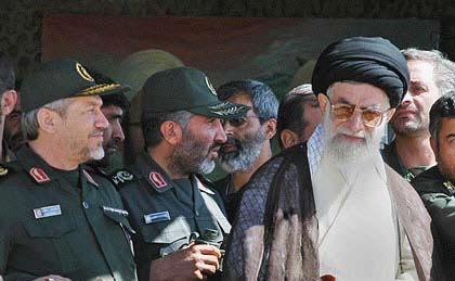 نتیجه تصویری برای شهادت سرلشكر احمدكاظمی فرمانده نیروی زمینی