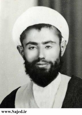 فرقش را شکافتند و گفتند: «قتلنا الخمینی»!