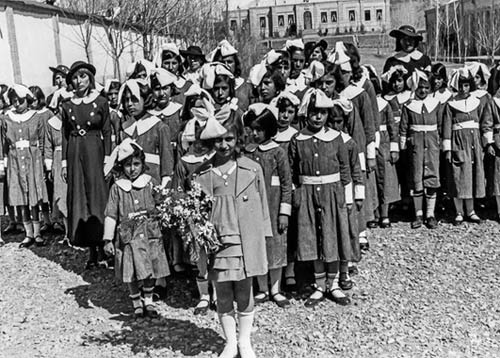 روزی که زنان ایرانی کلاه به سر شدند