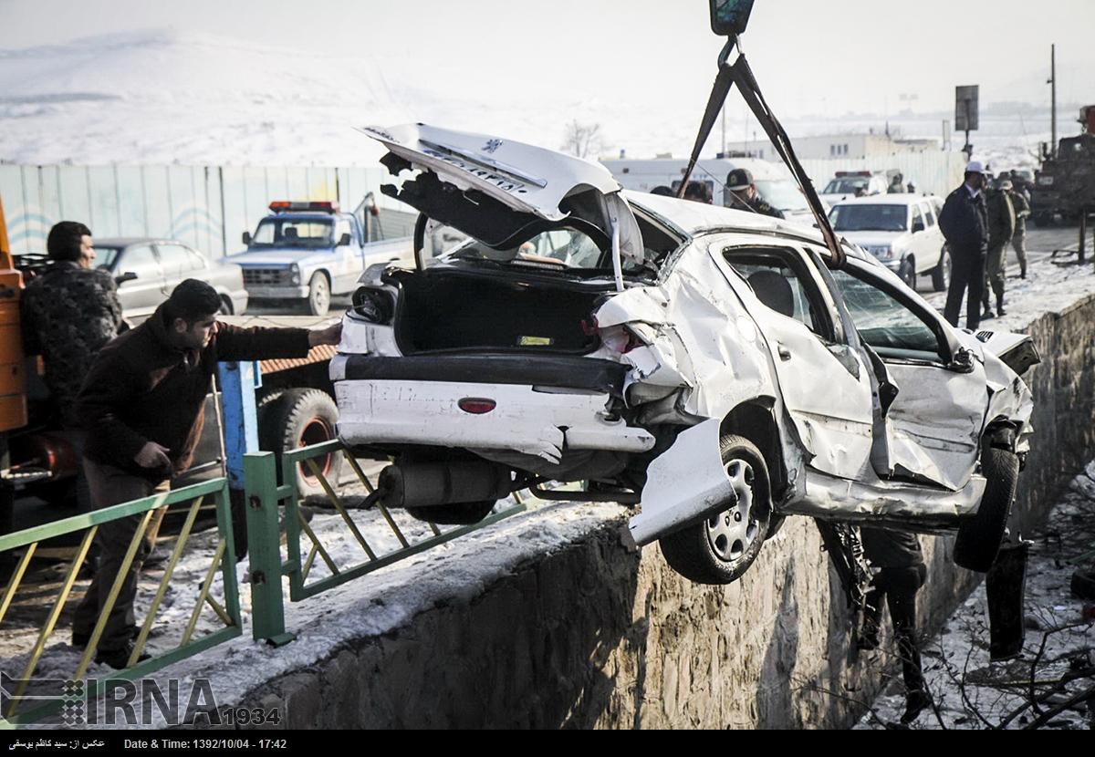 روزنما : بانوی مهندس و شهردار سرباز - سایت خبری تحلیلی تابناك ...برخورد یک دستگاه تریلی با ۲۵ خودروی پارک شده در تبریز ۱۵ زخمی بر جای گذاشت