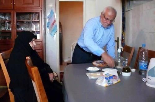 تصاویر کمیاب از سید حسن نصرالله و پدر و مادرش