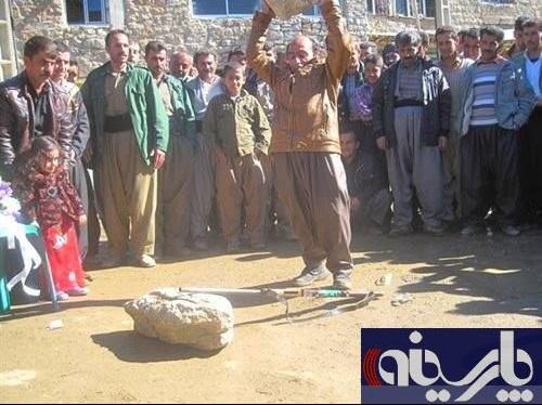 «کاک احمد» تفنگش را اعدام کرد