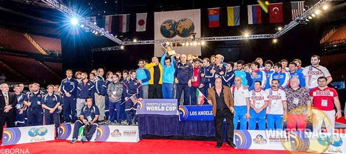 تصاویر اهدا جام و مدال قهرمانی ایران در جام جهانی 2014 آمریکا