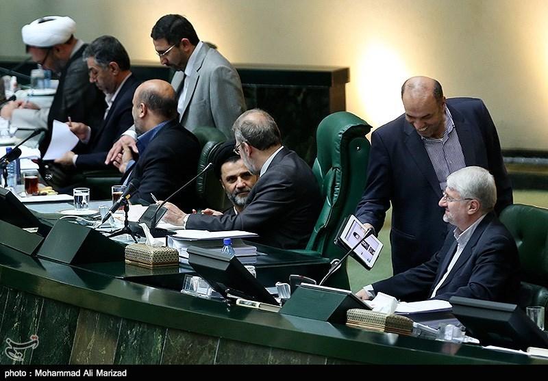 ادامه خبرسازی نماینده معترض در مجلس