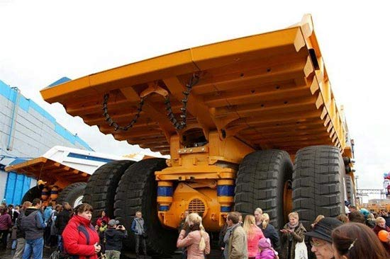غولپیکرترین ماشین روی زمین