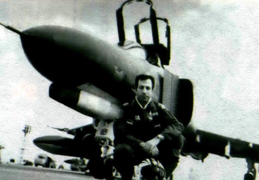 نابغه نبردهای هوایی ایران پر کشید