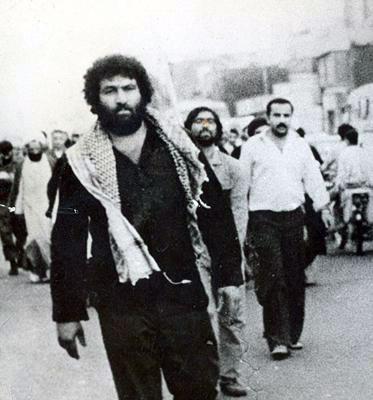 روی سینه اش خالکوبی کرده بود: فدایت شوم خمینی +ویدئو