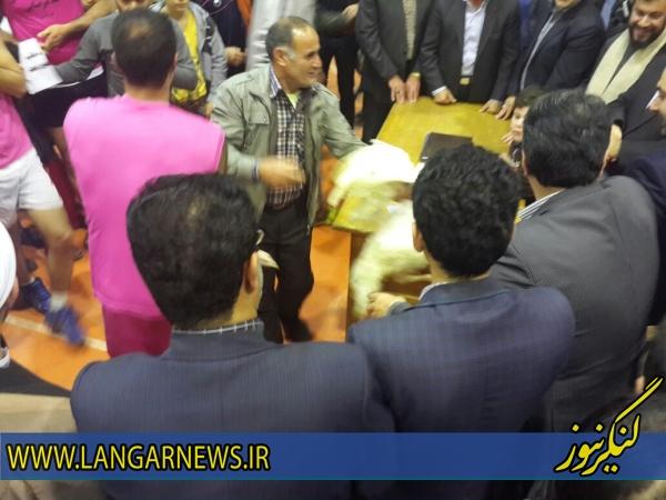 http://cdn.tabnak.ir/files/fa/news/1393/10/16/459143_361.jpg