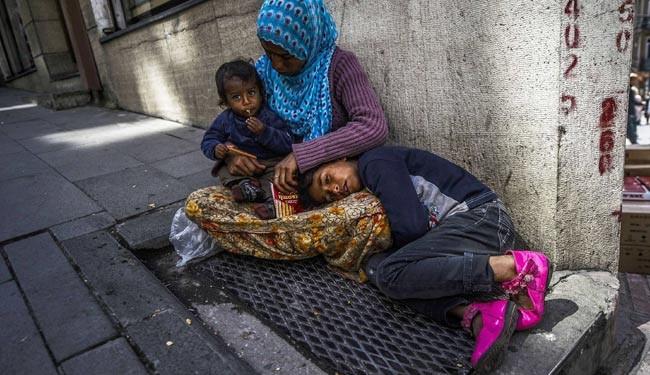 عکس زن سوری در خیابانهای استانبول