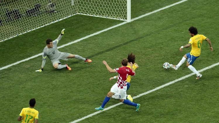 برزیل در سایه درخشش نیمار جام را با پیروزی آغاز کرد