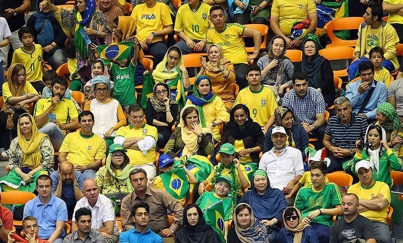 پاسپورتهایی که مجوز ورود زنان به ورزشگاه است