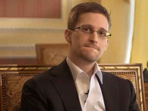 هشدار ادوارد اسنودن در خصوص استفاده از Dropbox