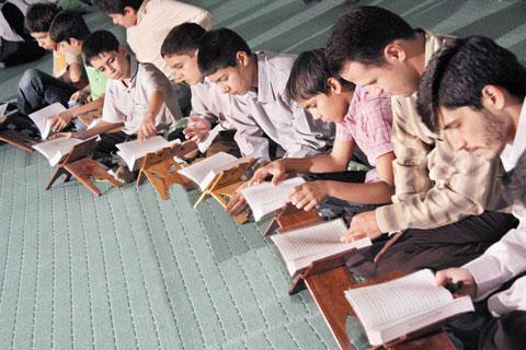 قرآن را به چه قیمتی فرزندانتان آموزش میدهید؟!