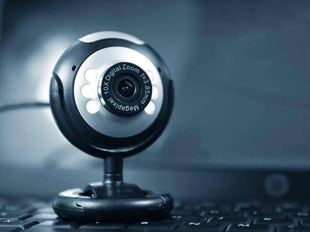 هکرها چگونه به سادگی از شما فیلم میگیرند؟
