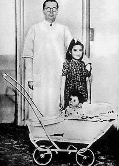 ۹ مادر و فرزند عجیب در دنیا