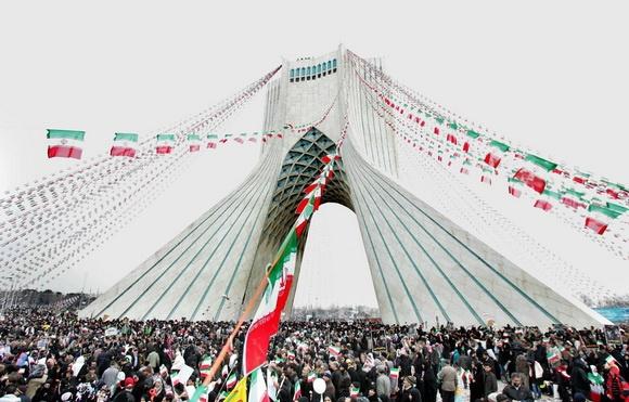 استقبال از عید انقلاب پیش از عید انتخاب