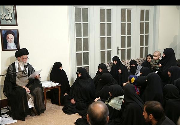 حاشیه دیدار خانواده شهیدان مدافع حرم با رهبر انقلاب