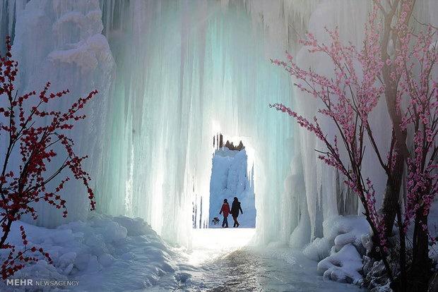 بازدید از آبشار یخ زده در چین
