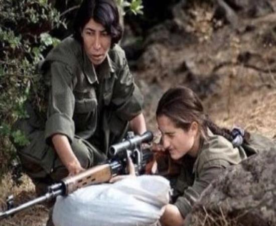 یک ارتش به دنبال این زن