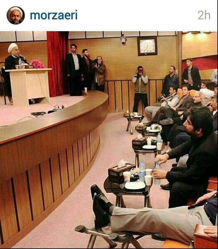 حرکت زشت برادر ریس جمهور در یک مراسم رسمی!