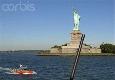 تخلیه مجسمه آزادی درپی دریافت بسته مشکوک