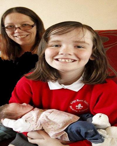 دختر شجاع 10 ساله خواهرش را به دنیا آورد