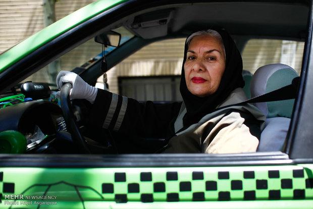 خانم بازیگری که راننده تاکسی شد