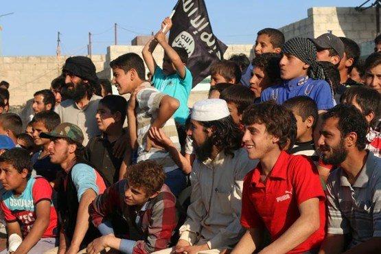 داعش چگونه کودکان را جذب می کند؟