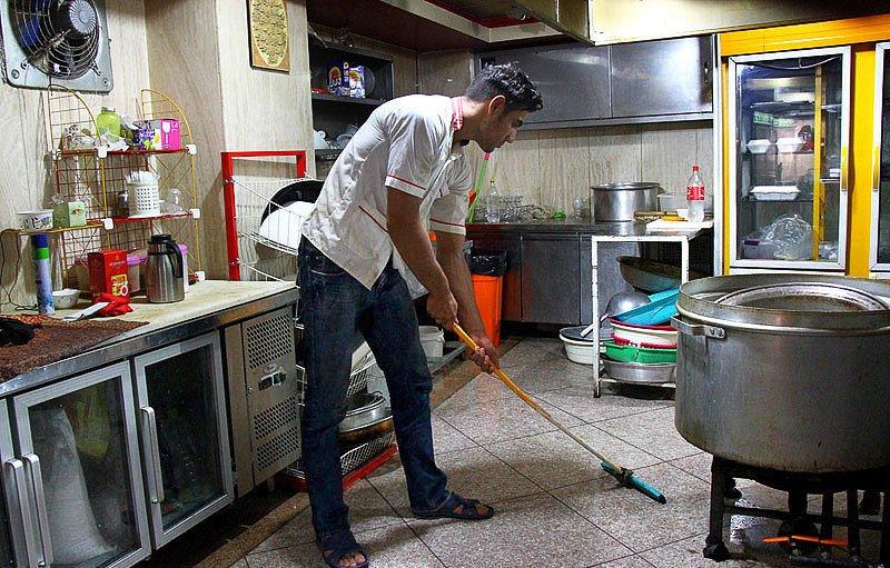 قهرمان المپیکی که در رستوران ظرفشویی میکند