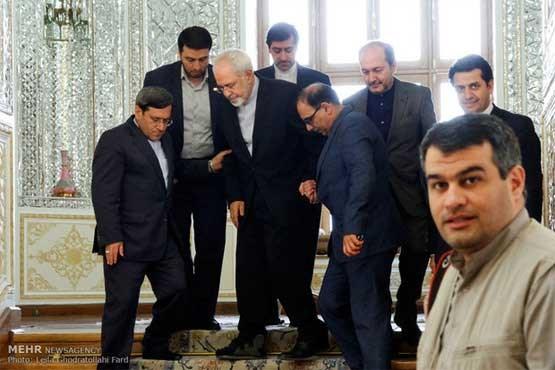 پای شکسته لاریجانی و ظریف