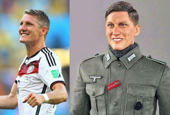 ستاره معروف فوتبال از یک عروسک شاکی شد!+عکس