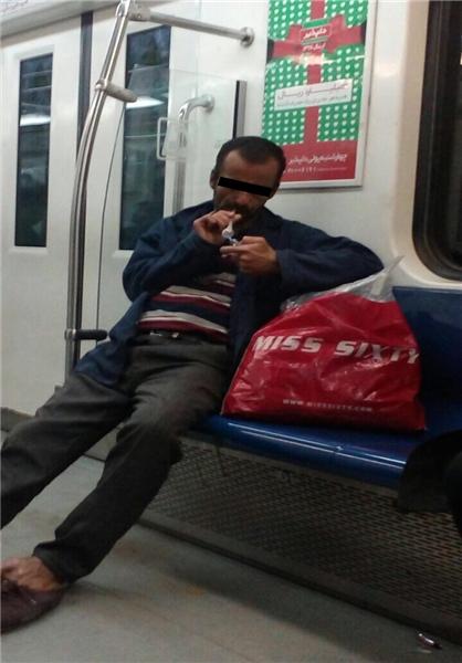 مصرف شیشه در مترو تهران + عکس
