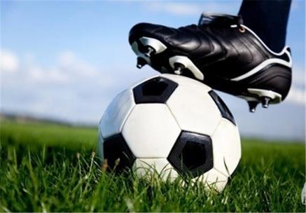 اتفاق بیسابقه در فوتبال؛ رئیس جمهور دقیقه 63 بازی را تمام کرد!