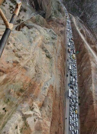 عکس هوایی از ترافیک سنگین در محور مهران