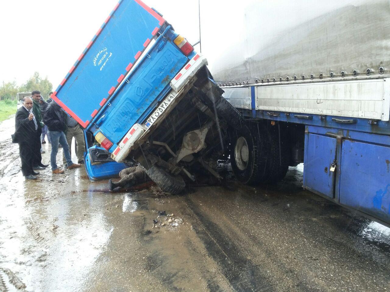 برخورد مرگبار نیسان و کامیون