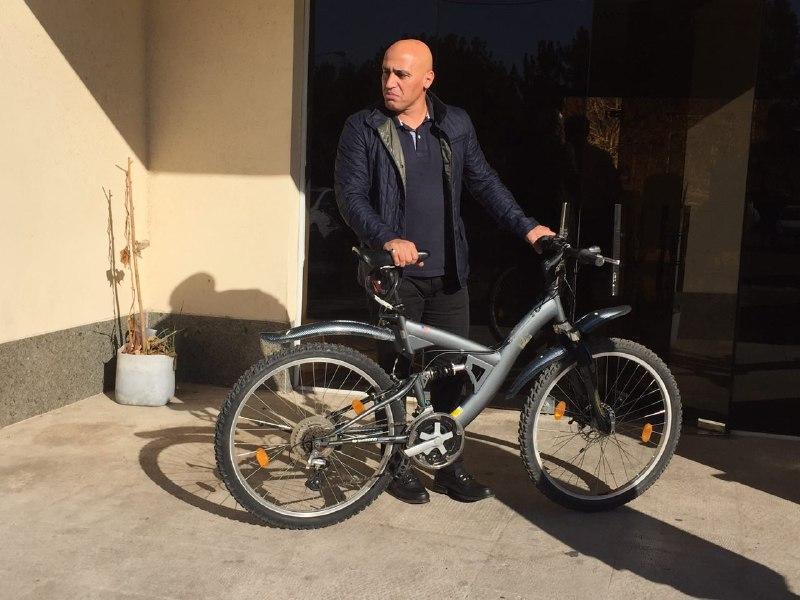 دوچرخهسواری منصوریان در تمرین استقلال+عکس