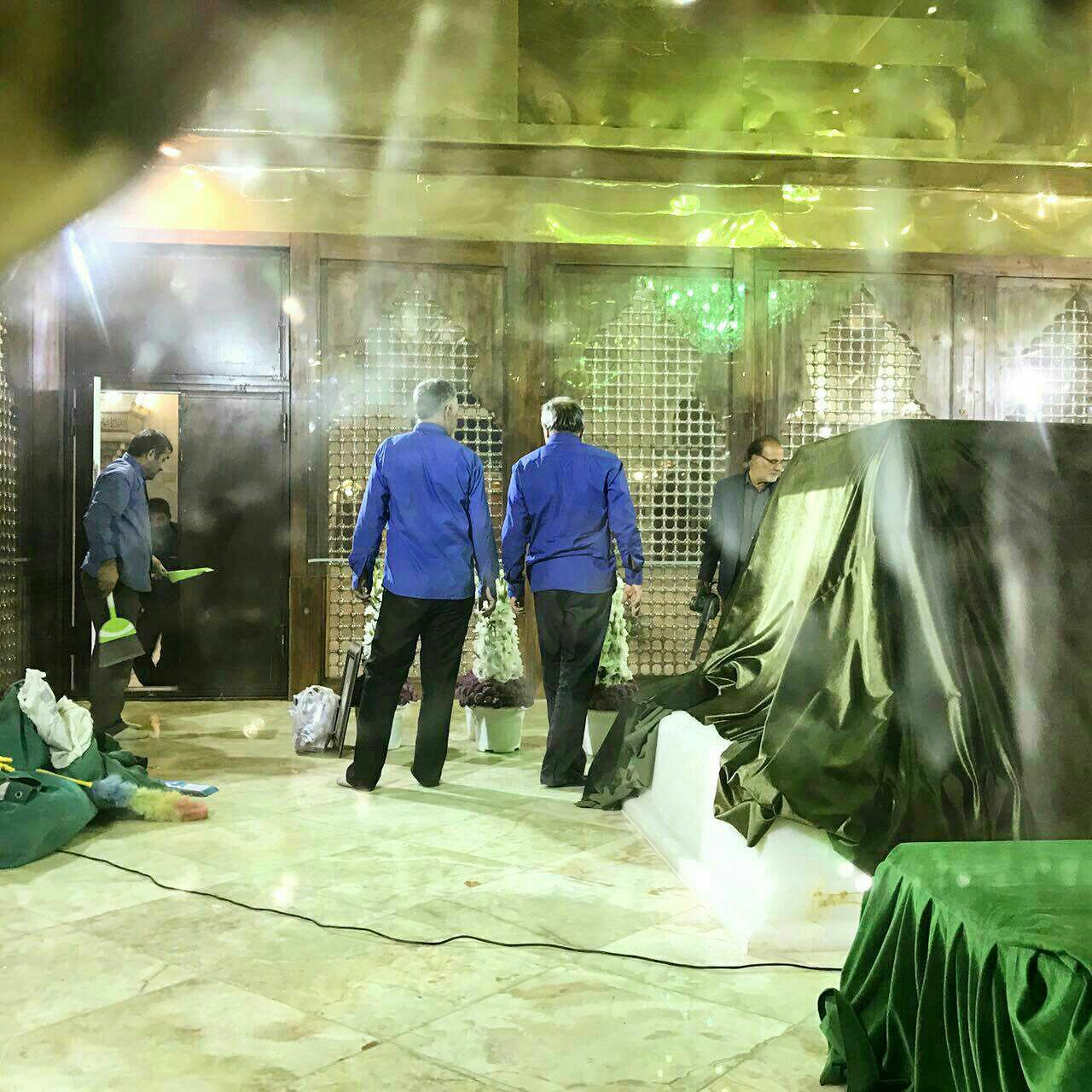 تصویری از داخل ضریح امام راحل