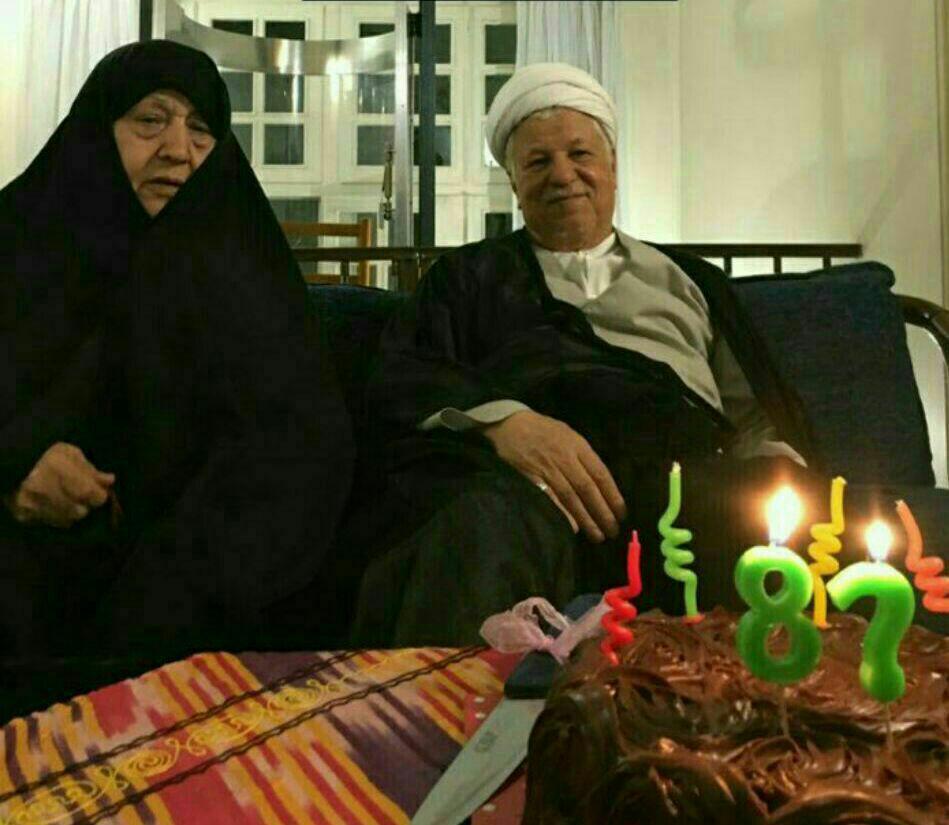 آخرین جشن تولد آیتالله هاشمی در کنار همسرش