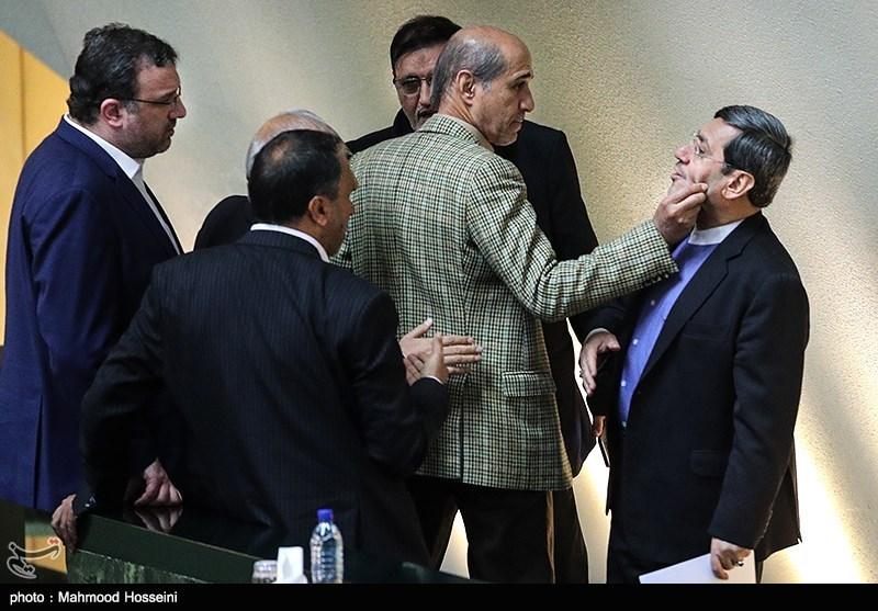 شوخی عجیب با معاون ظریف در مجلس