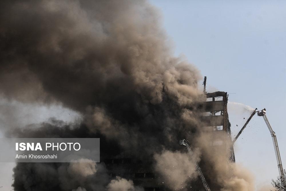 بهجا مانده از فاجعه پلاسکو: عکس تاثیرگذاری که باید مختلسین از آن عبرت بگیرند