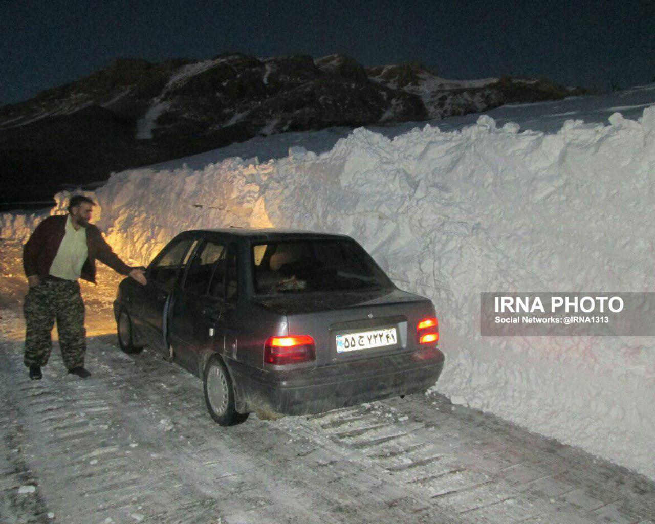 ارتفاع برف در گردنه فرسش الیگودرز