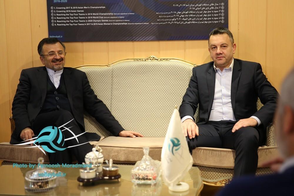 کولاکوویچ هم بدون امضا ایران را ترک کرد