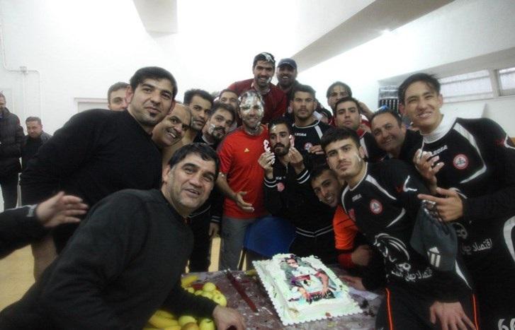 جشن تولدستاره سابق پرسپولیس درتمرین نفت+عکس