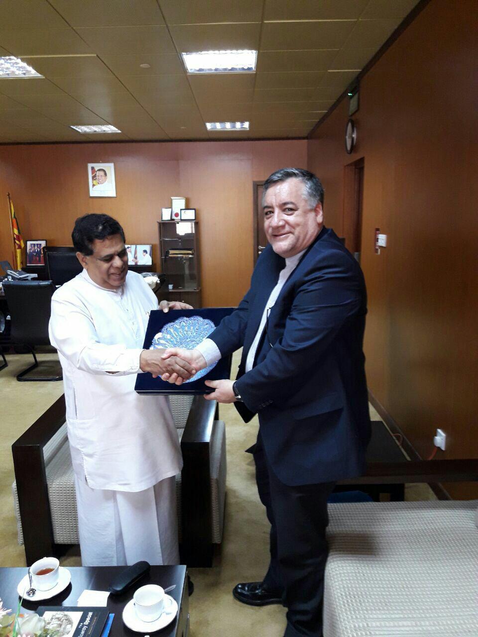 پیگیری افزایش کار شرکتهای ایرانی در سریلانکا