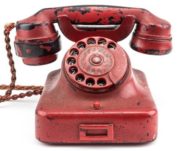سرنوشت تلفن قرمزرنگ هیتلر چه میشود؟