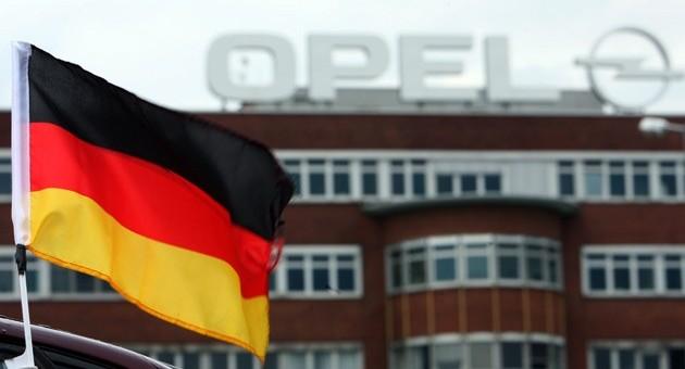 مرکل گفت تمام سعی اش را برای حفظ شغل آلمانی ها در اوپل خواهد کرد