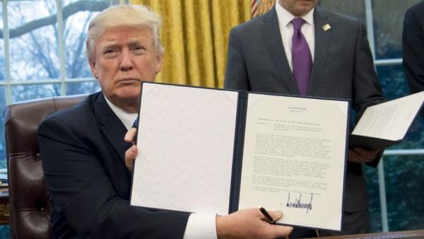 اجابت تقاضای 30 وطن فروش توسط ترامپ؛ دیگر چه سفارشی دارید؟!
